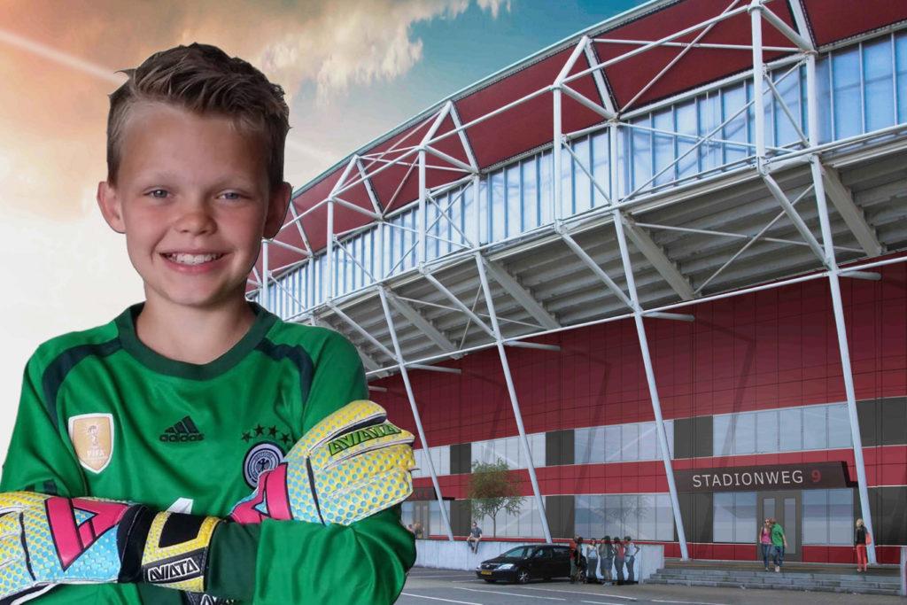 Dylano Klaver voor het AFAS stadion
