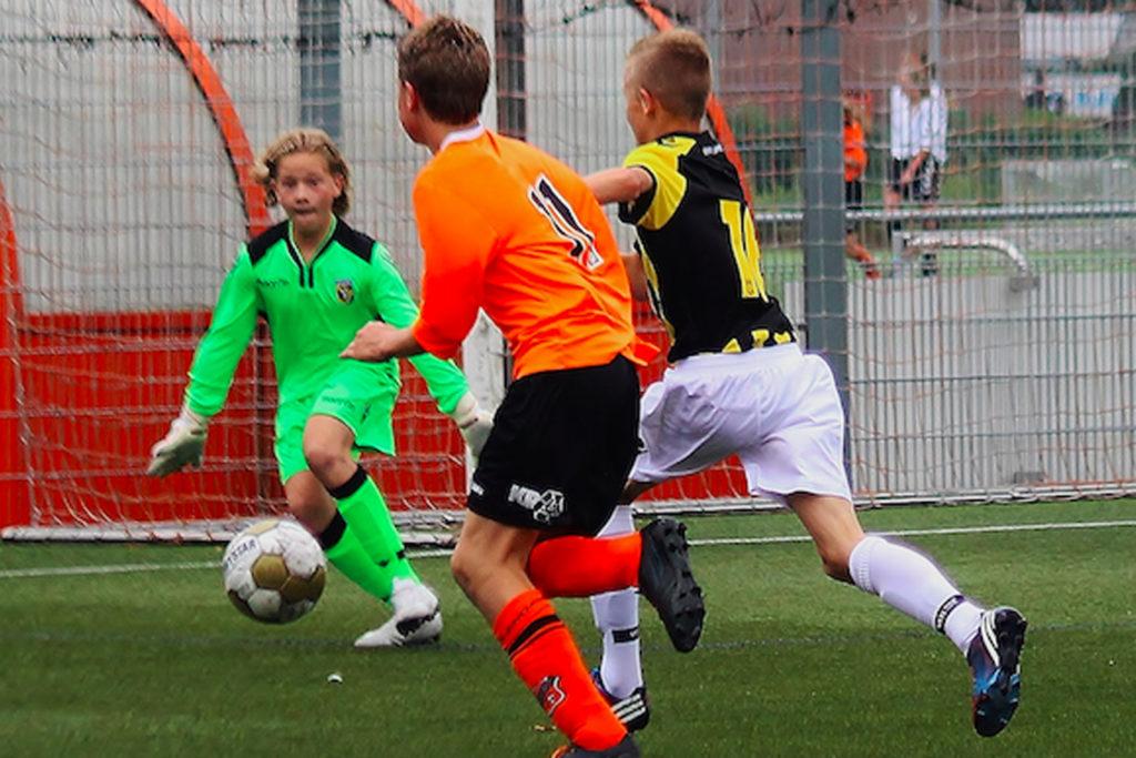 Robbert als keeper van Vitesse onder 13